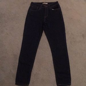 Levi's high rise skinny jeans size 28